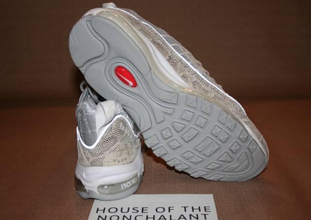 "Supreme X Nike Air Max 98 ""Snakeskin"" Sail And Metallic"