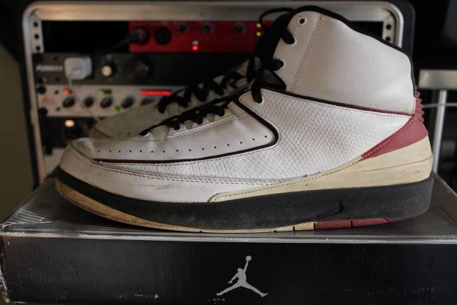 buy popular eae40 80420 Jordan 2 Retro White Varisty Red (2004) Size 10.5