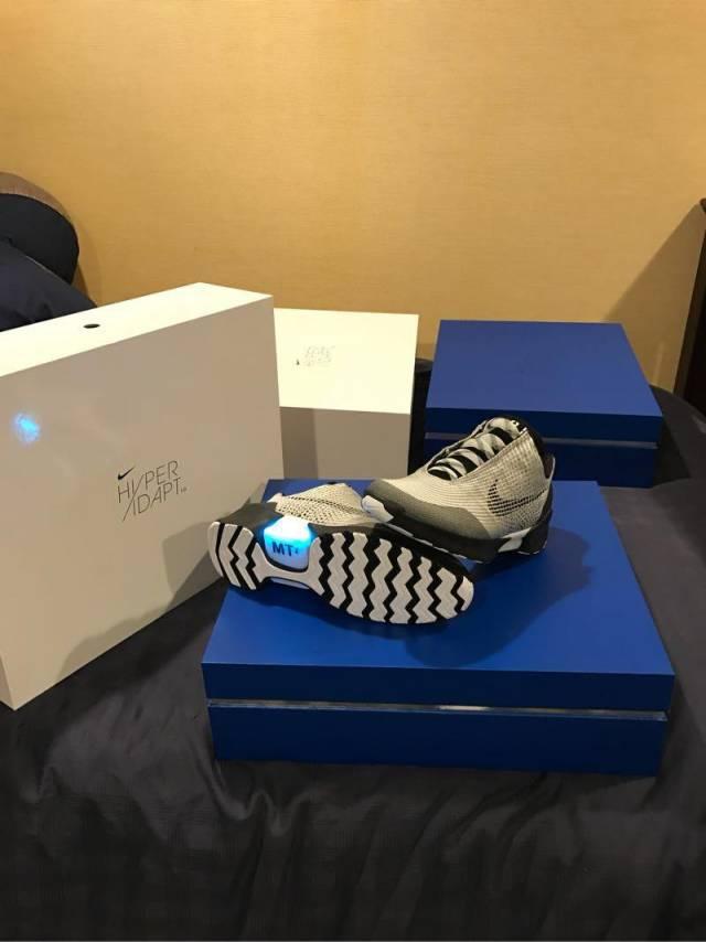 Nike Hyperadapt 1.0 Metallic silver size 12