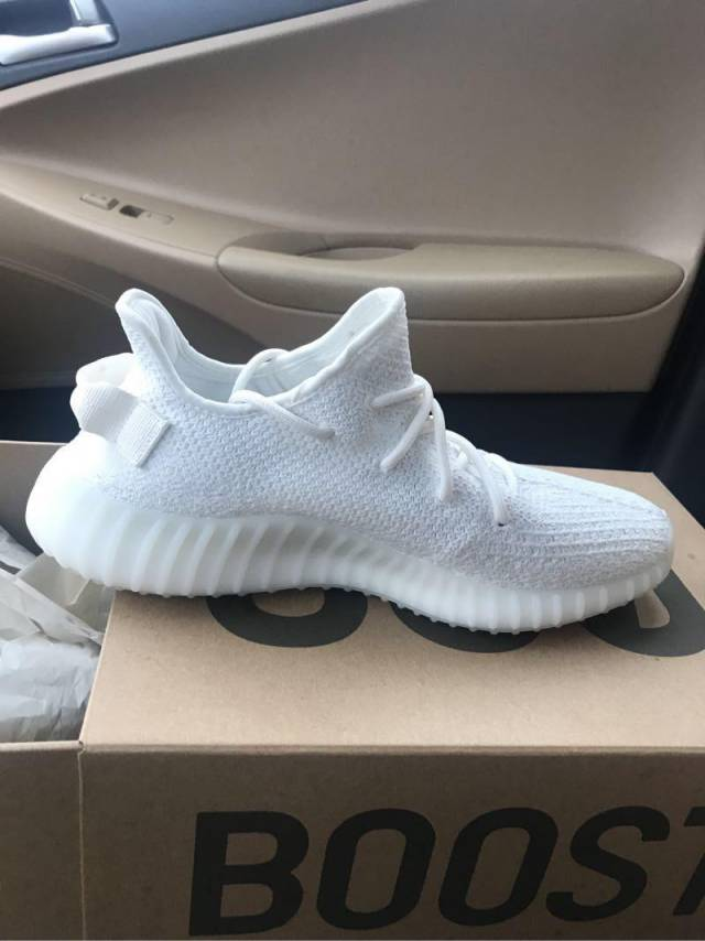 sports shoes f917c bb0bf Adidas Yeezy Boost 350 V2 Cream White Size 10.5