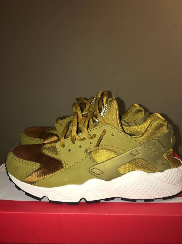 all gold huaraches