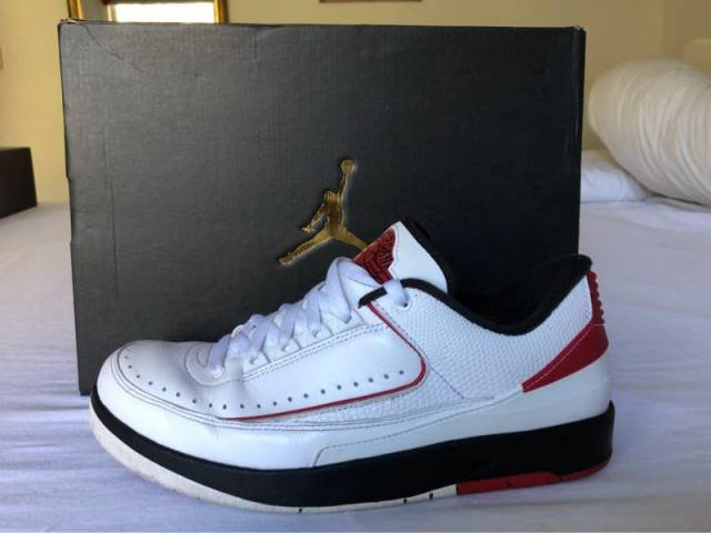 meet 0ab4a aafdc Air Jordan 2 Low White/chicago Red Size 9