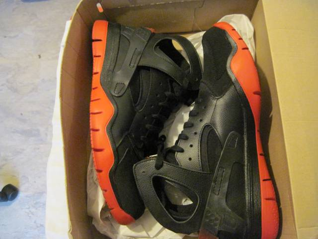 7baecf17ca4e Nike Air Huarache BBALL 2012 Black Sport Red NEW DS SIZE 12
