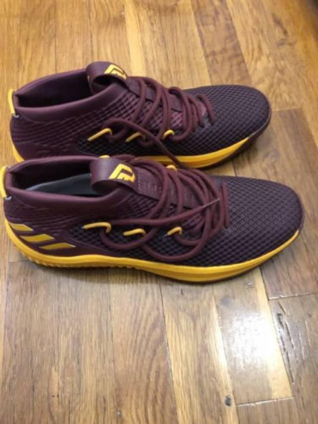 1f19569bddbe Adidas Dame 4 Custom Mi Addidas