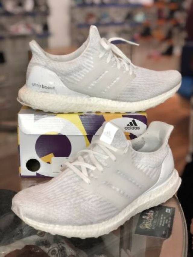 new concept 43e66 33aab Adidas Ultra Boost 3.0 Triple White