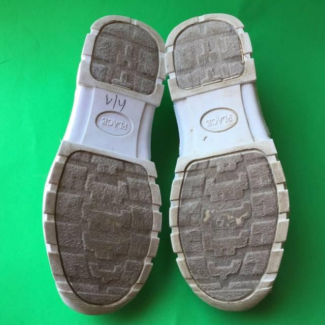 walking athletic shoe size