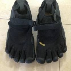 Vibram five fingers women s shoes