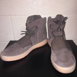 Yeezy boost 750 chocolate  lig...