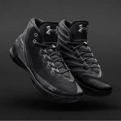 Curry 3 trifecta black