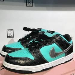 Nike dunk diamond! size 9.5 de...