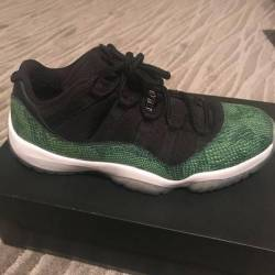 f5cd4fcc43  280.00 Jordan retro 11 low nightshade