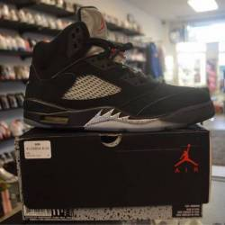 Jordan 5 metallic size 11.5 pr...