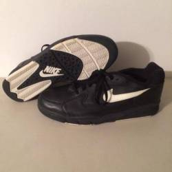 1992 nike air driving force lo...