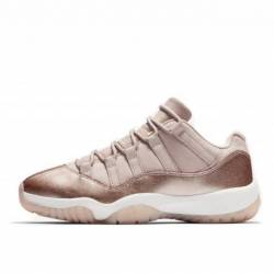 Air jordan 11 low retro rose g...