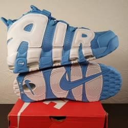 Nike air more uptempo universi...