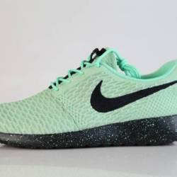 Nike id roshe run flyknit gree...