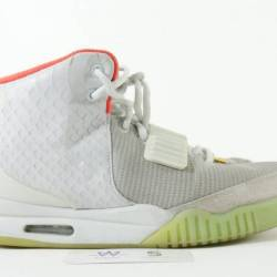 Air yeezy 2 nrg platinum sz 10...