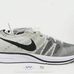 Nike flyknit trainer pale grey